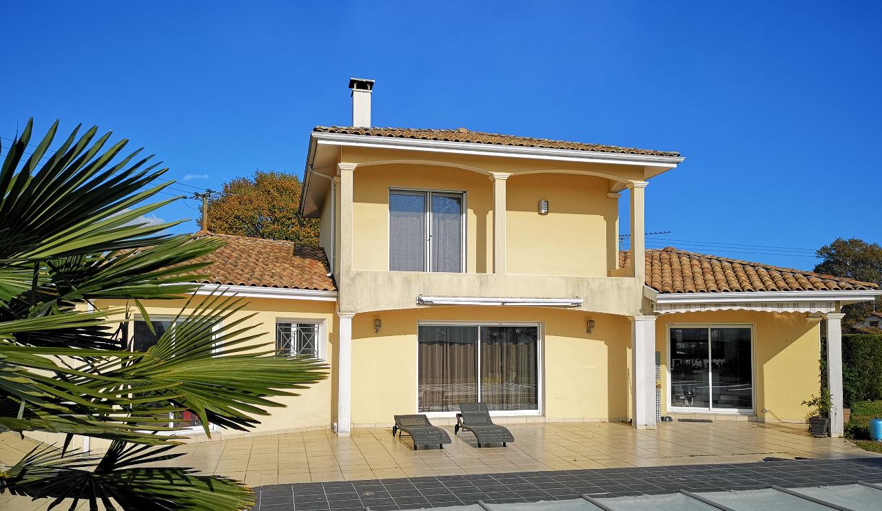 Maison Begaar 6 pièce(s) 164 m2